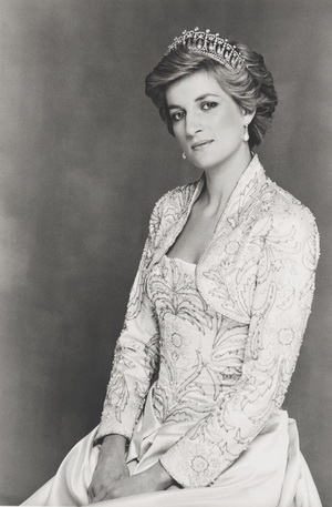Terence Donovan, Diana, Princess of Wales, 1990. Bromdruck. National Portrait Gallery, London